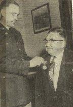 Image of Fritz Rydberg receiving award