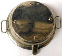 Image of bottom of dish