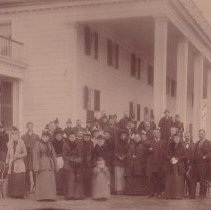 Image of Group at Mt. Vernon - 0003.489.001