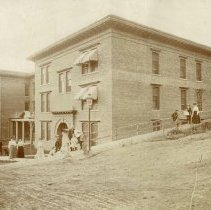 Image of Smith Apartment Building - 0070.017.001