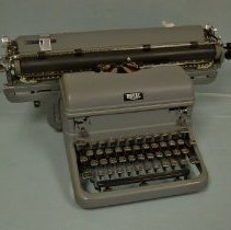 Image of Typewriter, Manual - 1940-1949