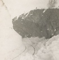 Image of Railroad Tracks in Snow - 0003.990.001