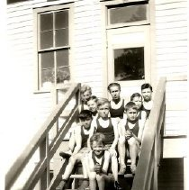 Image of Terraville Terrors of 1931 with Coach - 2010.001.072