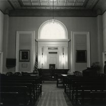 Image of Elizabethtown Courthouse - Print, Photographic