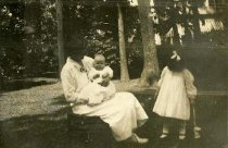 Image of Woman with Children - Print, Photographic