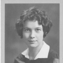 Image of Elizabeth Hillmer, Graduation from Queen's University, 1929/30