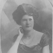 Image of Mabel Powell Hillmer portrait
