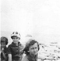 Image of Angela, Carla, and Margaret Beamer at the beach