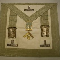 Image of 2015.014.001 - Apron, Fraternal