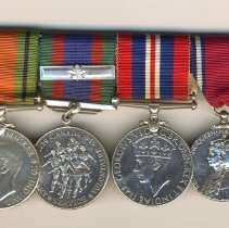 Image of 2006.019.032 a-e - Medal, Military