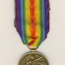 Image of 992.021.028a/b - Medal, Military