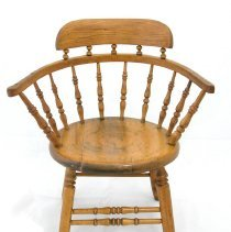 Image of 2011.029.001 - Chair, Captain's