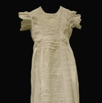 Image of 2014.021.001 - Gown, Baptismal