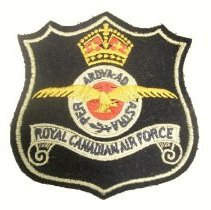 Image of 2016.008.015 - Badge, Military