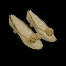 Image of 957.121.002a/b - Shoe