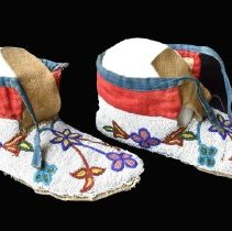 Image of 971.008.001a/b - Moccasin