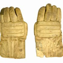 Image of 963.095.006a/b - Glove, Hockey