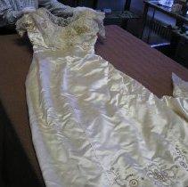 Image of 1985-087-0001 - Dress, Wedding