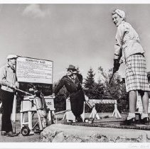 Image of Hunter, George - No. 1 Tee at Regina Golf Club, Regina, 1947