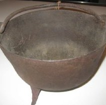 Image of A2006.871.23 Kettle 3
