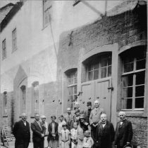 Image of Photo Wertheim Germany  family picture in front of HM's birthplace