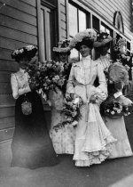 Image of Ladies with flowers