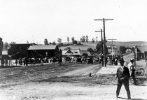 Image of Grape Day - Santa Fe Depot from Quince