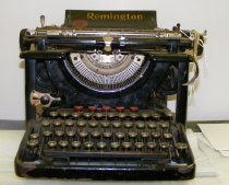 Image of Typewriter - 1996.011c.0001