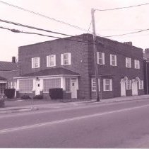 Image of 1998.00472.023 - Berryville-36 & 101 E. Main St.-Enders Funeral Home