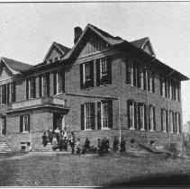 Image of 1998.00472.136 - Schools-Berryville High School, cir 1908