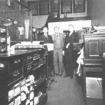Image of 1998.00472.209 - Bank of Clarke County-Staff, c1933