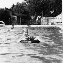 Image of 1998.00472.221 - Clarke Co. Pool-Gail Chandler, c1941