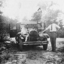 Image of 1998.00472.292 - Whiting, Herbert & Bev-1927 Buick