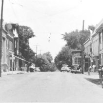 Image of 1998.00472.307.B - Berryville-E. Main Street-View from W. Main, cir 1930s.