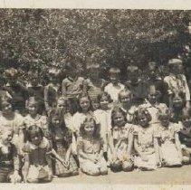 Image of 2000.00025.004 - Pine Grove Students, 1940