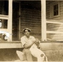 Image of 2016.00033.012 - Unknown African-American Man with Hound