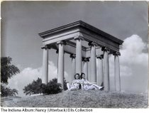 Image of 2 women at James Whitcomb Riley Tomb, Indianapolis, Indiana