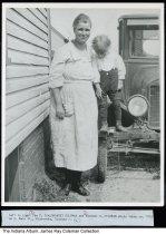 Image of Ida F. (Galbreath) Coleman and son Herschel, Mishawaka, Indiana, ca. 1923