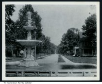 Image of Photo of a fountain in Woodruff Place, Indianapolis, Indiana, c.1910 -