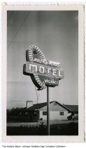 Image of Broad Acres Motel sign, Columbia City, Indiana, ca. 1945