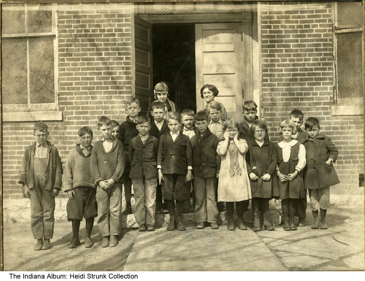 Indiana rush county - School Children And Teacher Circleville Indiana 1926 On The Back Of The Photo Is Written Circleville School Rush County Norma Meyer Age 6 7