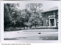Image of Partial front view of Spades Park Library, Indianapolis, Indiana, ca. 1940