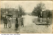 Image of Flooded streets in Laurel, Indiana, 1913