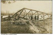 Image of Cicott Street Bridge flood damage, Logansport, Indiana, 1913