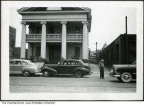 Image of Man by the Gatling Gun Club, Indianapolis, Indiana, ca. 1940