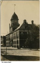 Image of Cass County Courthouse, Logansport, Indiana, ca. 1910