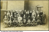 Image of Petersburg public school 5th grade class, Petersburg, Indiana, 1914 - Irene (Kunkel) Carter is in the back row, 2nd from the left.