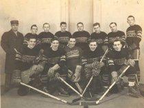 Image of Oshkosh Hockey Team - P1979.3.2