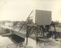 Image of Cantilever Bridge in Omro - P1986.3.20