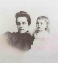 Image of Unidentified Mother and Child - P2000.21.203
